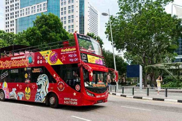 Đi Xe bus Hop On Hop Off ở Singapore