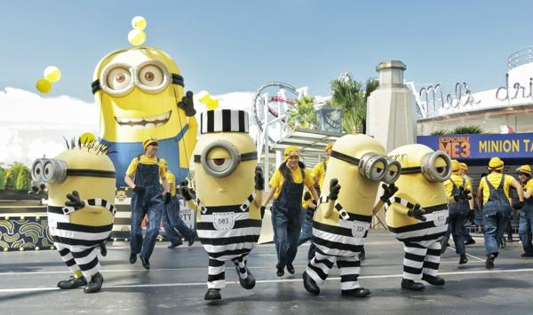 "lễ hội MINION ""Despicable Me Breakout Party"""
